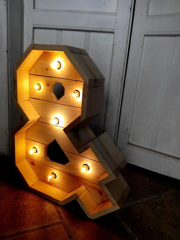 ampersand de madera