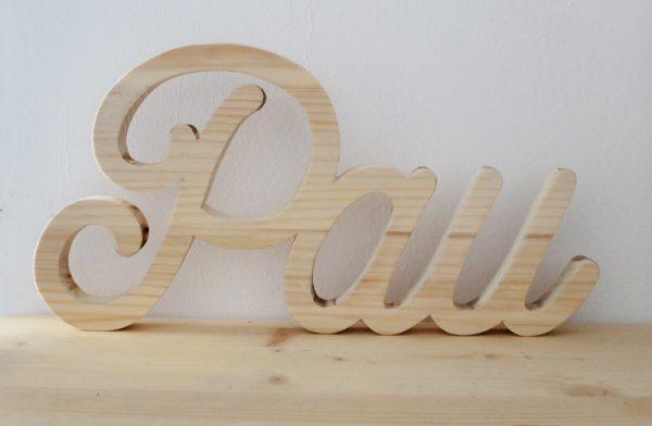 nombre cortado madera