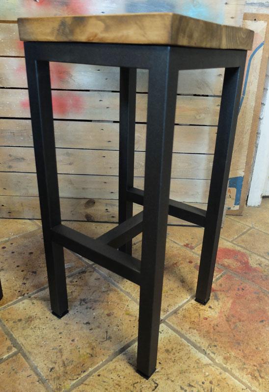 taburete madera y hierro