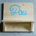 colgador madera personalizable