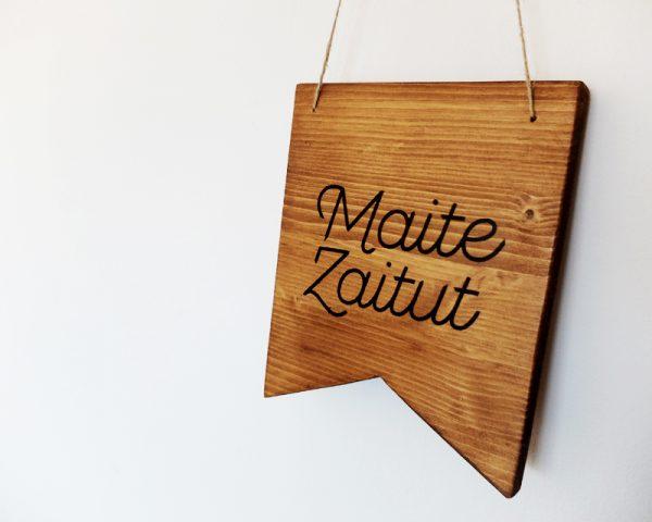 cartel madera texto